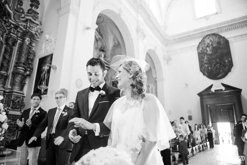 felicità allo scambio delle fedi Matrimonio Castello Monaci