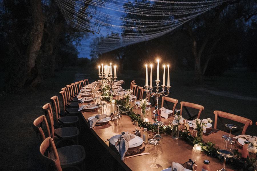 tavolo cena a lume di candela uliveto tenuta tresca salento lecce
