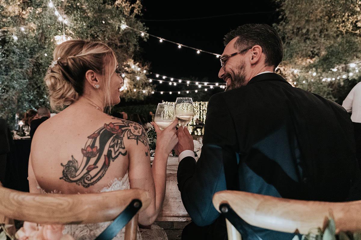 sposi brindano ricevimento matrimonio tenuta tresca lecce